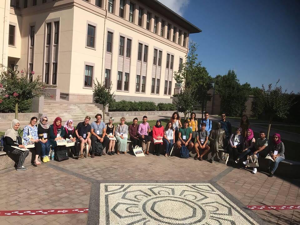 طلاب قسم الآثار يشاركون في المدرسة الصيفية بجامعة كوج التركية