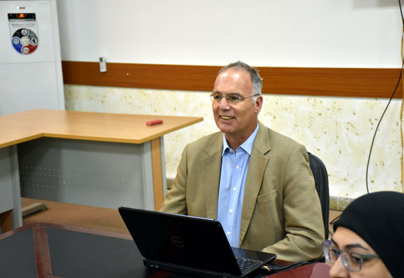 كليّة الآداب تستضيف أستاذ الدراسات الآشورية في جامعة ميونخ الألمانية